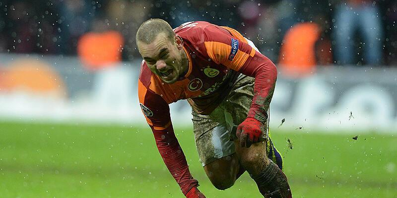 Sneijder'ın ölümcül darbesi dünya basınında