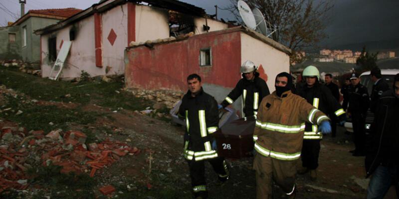 İzmir'de mutfak tüpü patladı: 2 ölü