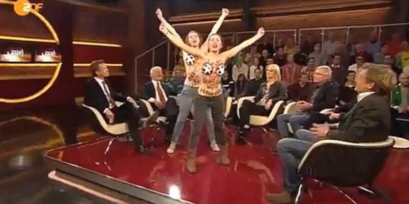 FEMEN canlı yayını bastı!