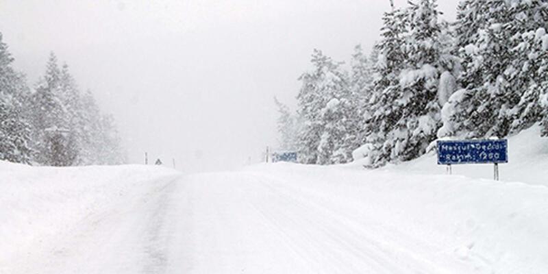 Kastamonu'da karda mahsur kalan 4 kişi kurtarıldı