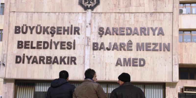 Diyarbakır'da belediyeye Kürtçe tabela