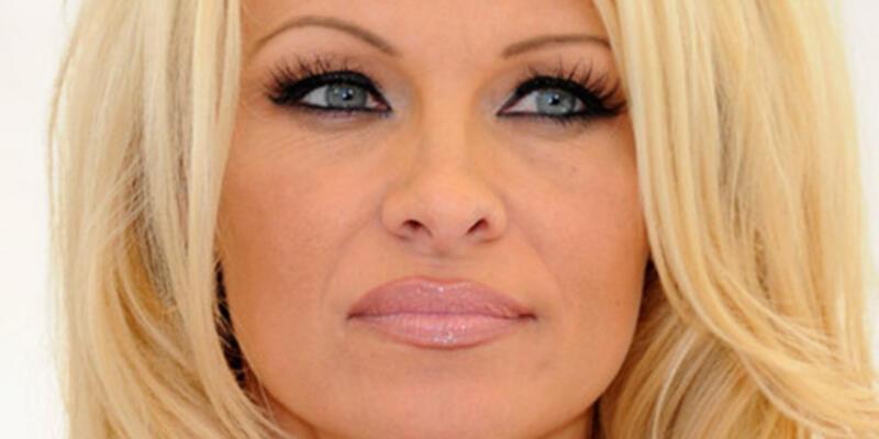 Pamela Anderson'un 1 milyon dolarlık çekine ret