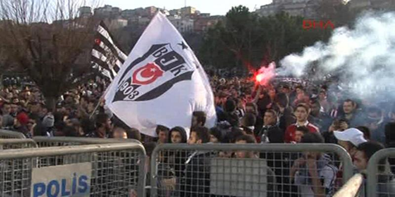 Beşiktaşlı taraftarlardan TFF'ye protesto