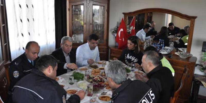 155 İmdat Hattı'ndan polisleri yemeğe davet etti