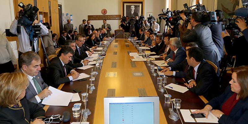 Anayasa Uzlaşma Komisyonu feshedildi