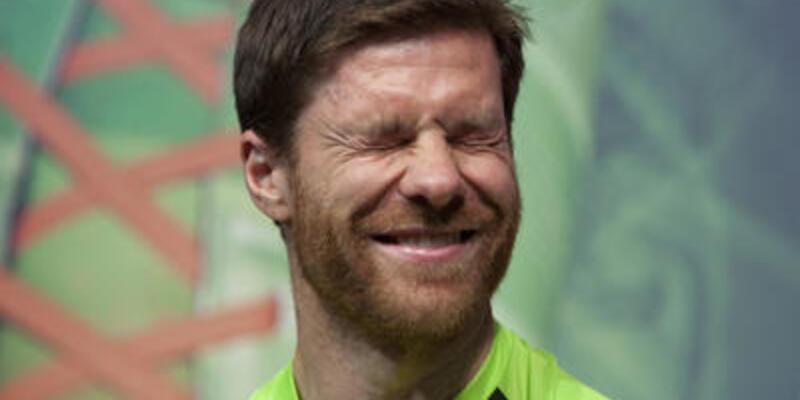 Xabi Alonso'nun kulak zarı yırtıldı