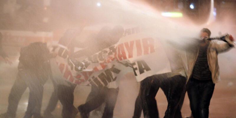 """Protestolar yayılıyor: """"Her yer rüşvet her yer yolsuzluk"""""""