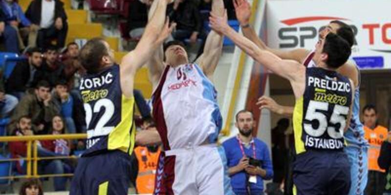 Fenerbahçe Ülker Trabzon'dan mutlu döndü