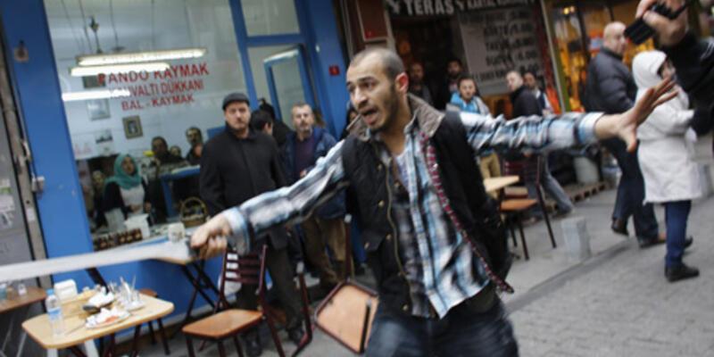 Yolsuzluk protestosuna döner bıçağı ile daldı!..