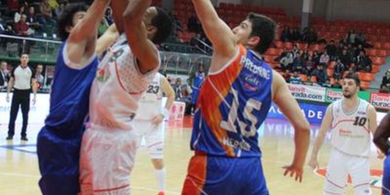 Banvit - Mersin Büyükşehir Belediyespor: 94-63
