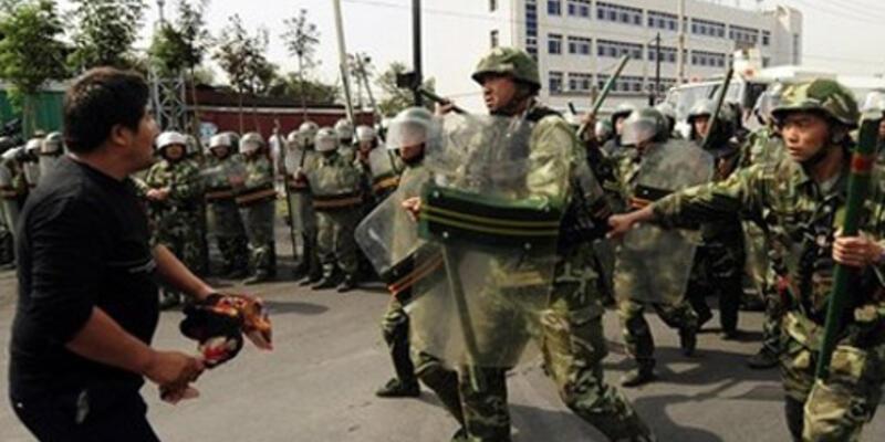 Sincan Uygur'da karakola saldırı: 8 ölü
