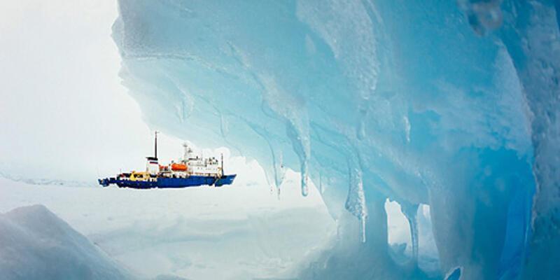 74 kişi Antarktika'da hala kurtarılmayı bekliyor