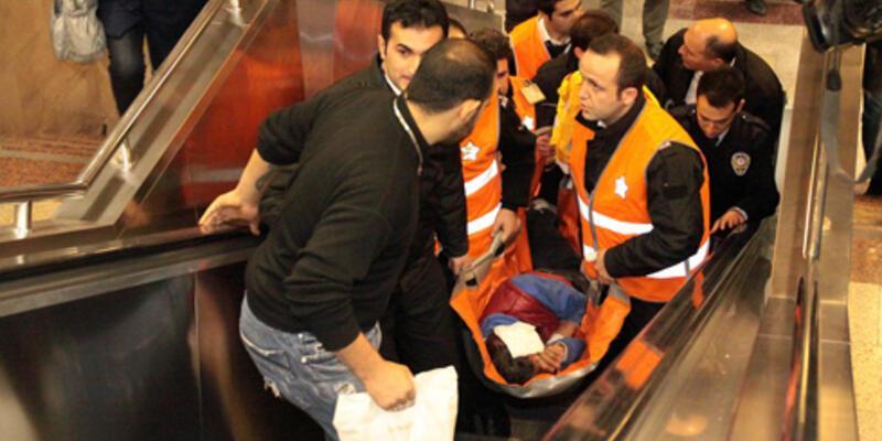Taksim Metrosu'nda metal dedektörü dehşeti