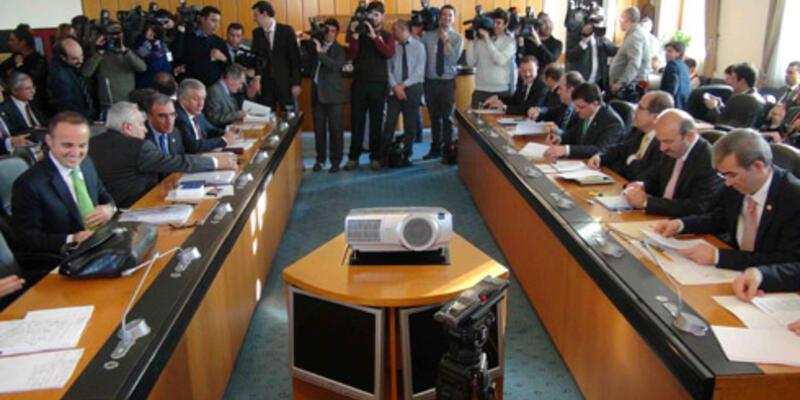 Yargı paketi TBMM Adalet Komisyonu'nda kabul edildi