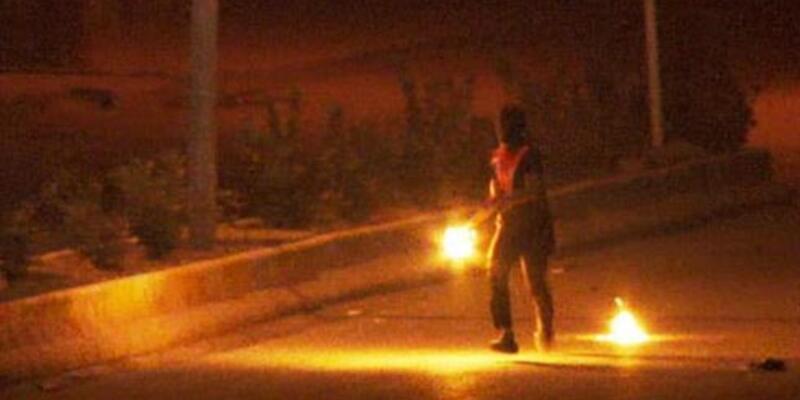 Bitlis'te AK Parti binasına molotoflu saldırı