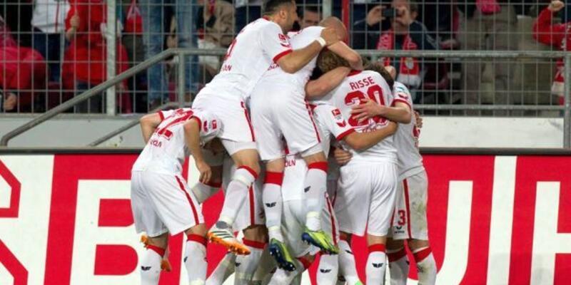 FC Köln Bundesliga'ya yükseldi