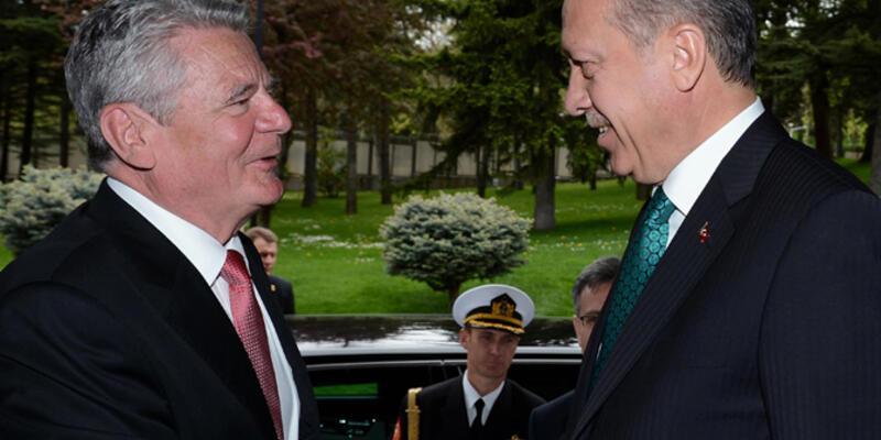 Almanya Cumhurbaşkanı Gauck'tan Erdoğan'a yanıt
