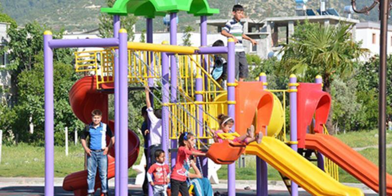 Kayıp başvurusu yapılan 4 çocuk parkta bulundu