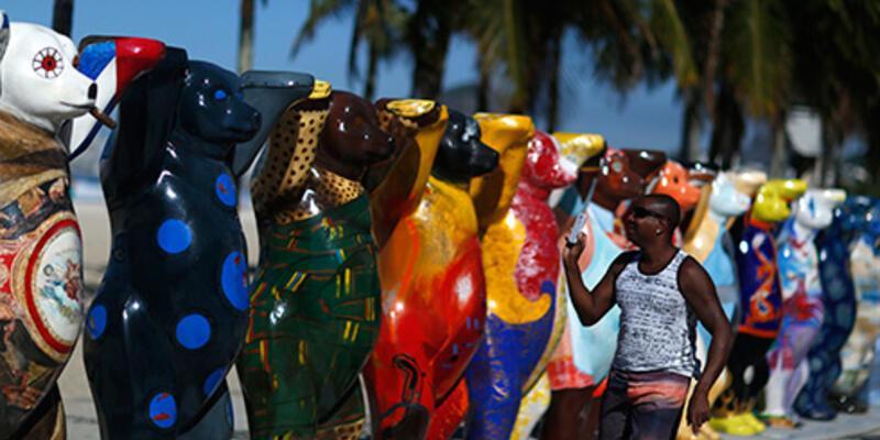 """Brezilya bu kez de """"ayılar"""" sergisiyle gündemde"""