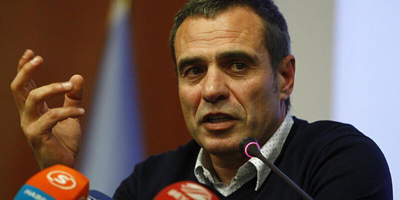 Ersun Yanal: Caner takımda kalacak
