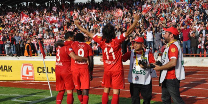 PTT 1 Lig: Balıkesirspor - İBB: 2-1 (Balkes Süper Lig'de)