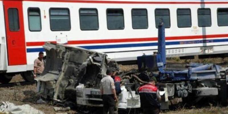 Tren tankere çarptı: 1 ölü