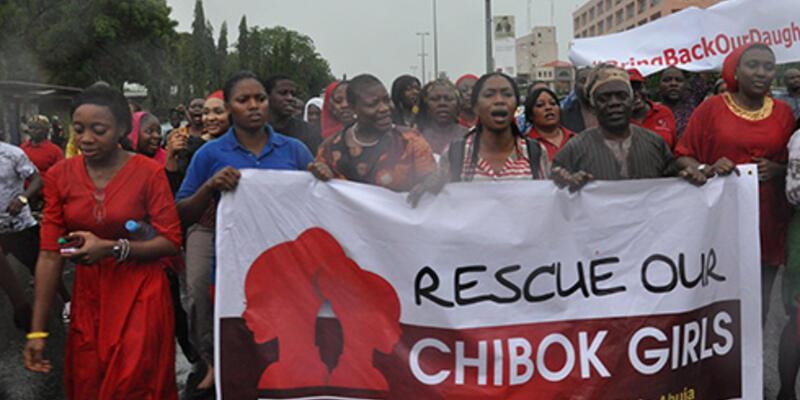 Nijerya'da kaçırılan 200'den fazla kız çocuğundan haber yok!