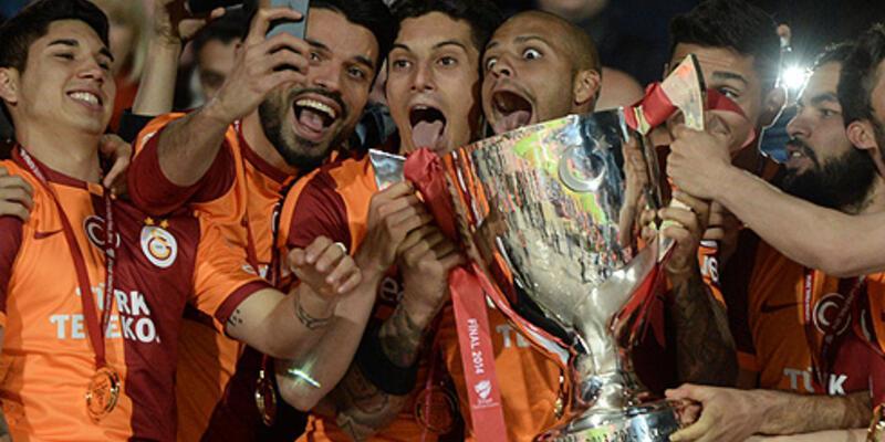 Galatasaray 8 sezonluk kupa hasretini sonlandırdı
