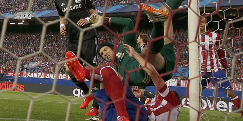 Chelsea'de Cech şoku