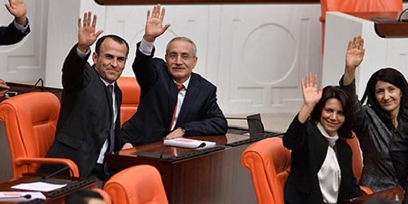 HDP'li vekillerden MHP'li Alan'a destek