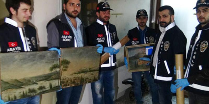 Özbekler Tekkesi'nden çalınan tarihi tablolar antikacıda çıktı