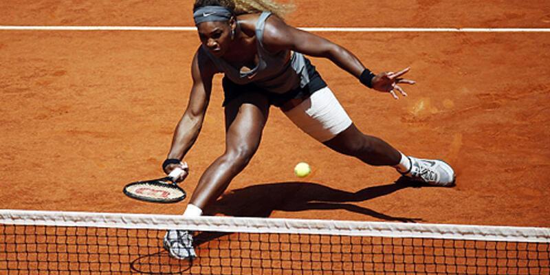 Serena Williams çeyrek final maçından çekildi