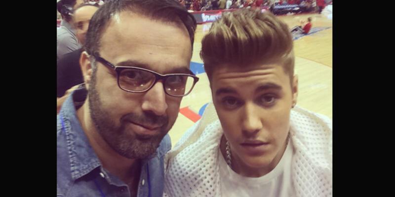 Justin Bieber da selfie modasına uydu!