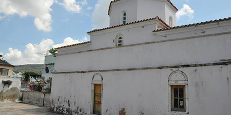 Tarihi kilise kaderine terk edildi