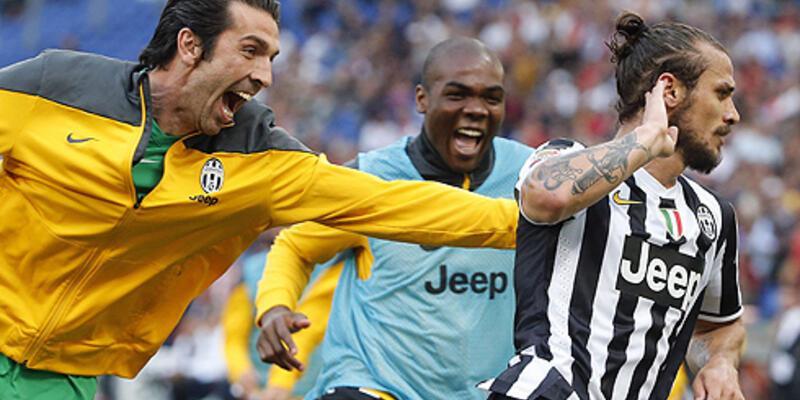 Juventus şampiyonluğunu rekorla süsledi