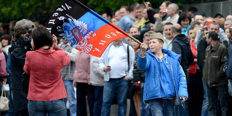 Lugansk Halk Cumhuriyeti kurulduğunu ilan ettiler