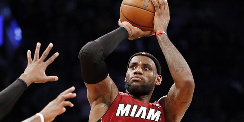 LeBron Miami'yi sırtladı gidiyor!