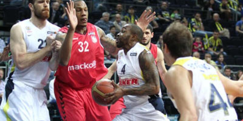 Fenerbahçe Ülker 1-0 öne geçti