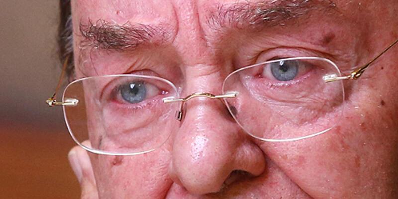Ahmet İyimaya'nın gözleri doldu