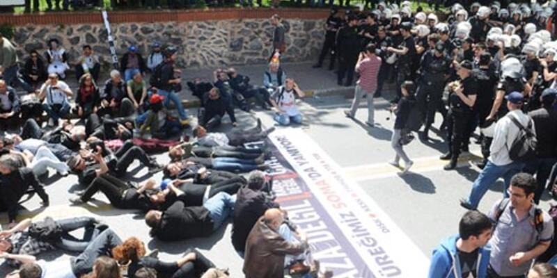 Türkiye'de Soma eylemleri: Gruplar TOMA'nın önüne yattı