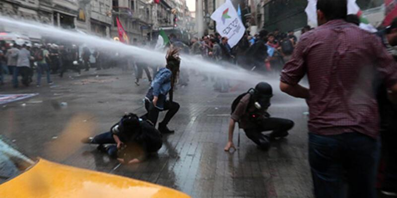 Galatasaray Lisesi önünde polis müdahalesi