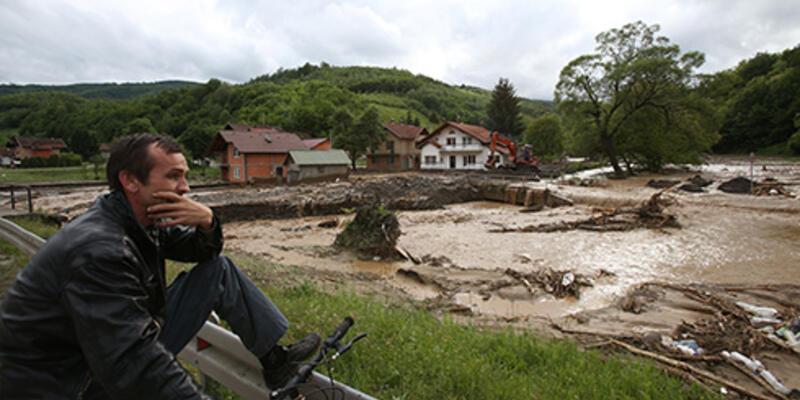 Bosna Hersek ve Sırbistan'da sel 26 can aldı