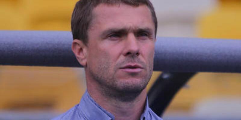 Rebrov Dinamo Kiev'de kaldı