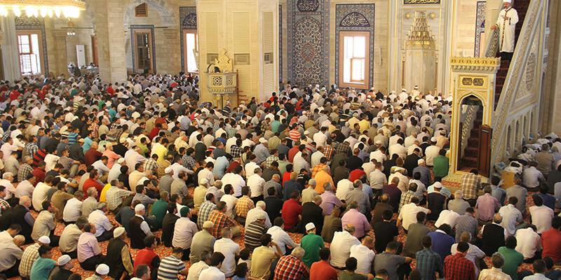 Cuma selası geleneği Beştepe Millet Camii'nde başladı