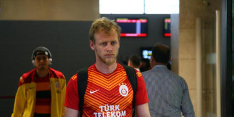 Galatasaraylı Semih Kaya gözünden ameliyat edildi