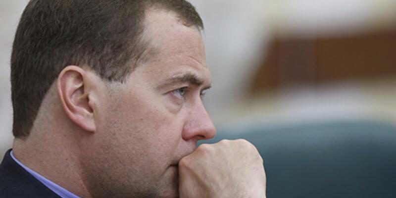 """Medvedev: """"ABD, Rusya ile ikinci soğuk savaşa doğru gidiyor"""""""