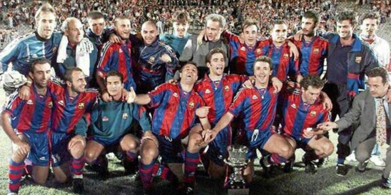 18 yıl önce çekilen bu fotoğrafta tam 10 teknik direktör var!