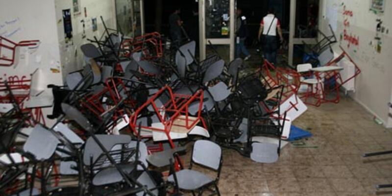 Ege Üniversitesi'nde gece yarısı müdahale: 38 gözaltı