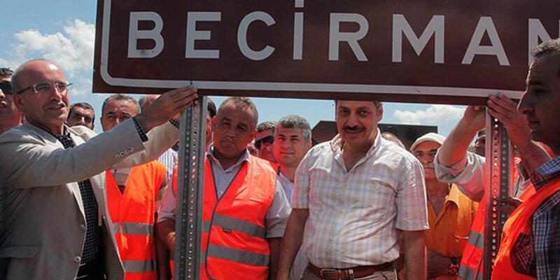 Köyün Kürtçe isim tabelasını Bakan Şimşek taktı