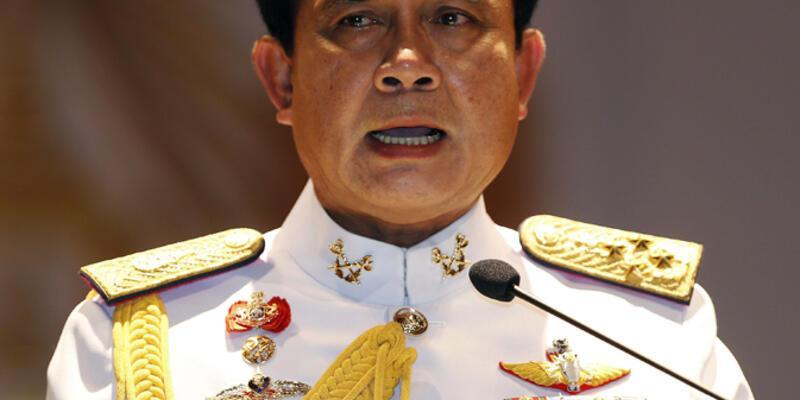 Tayland Kralından darbeye destek